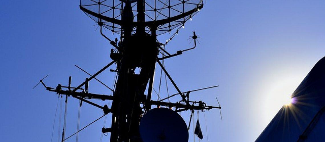 akses internet komunikasi laut